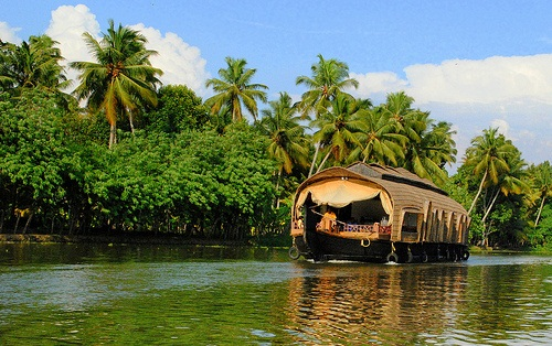 Honeymoon Hot-Spots in Kerala!