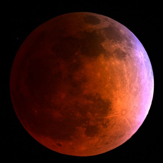 Blood Moon: Pictures Of The Total Lunar #Eclipse from April 15, 2014