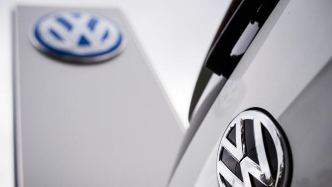 Volkswagen admits 11 million cars have emissions cheating device