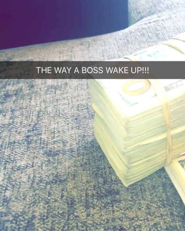 Young Thug shows the way a boss wake up on Snapchat