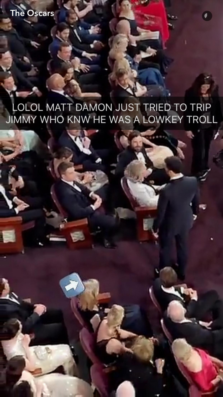 #Oscars2017: The beef between Matt Damon and Jimmy Kimmel continued at the Oscars when Matt tripped Jimmy on live TV 😂