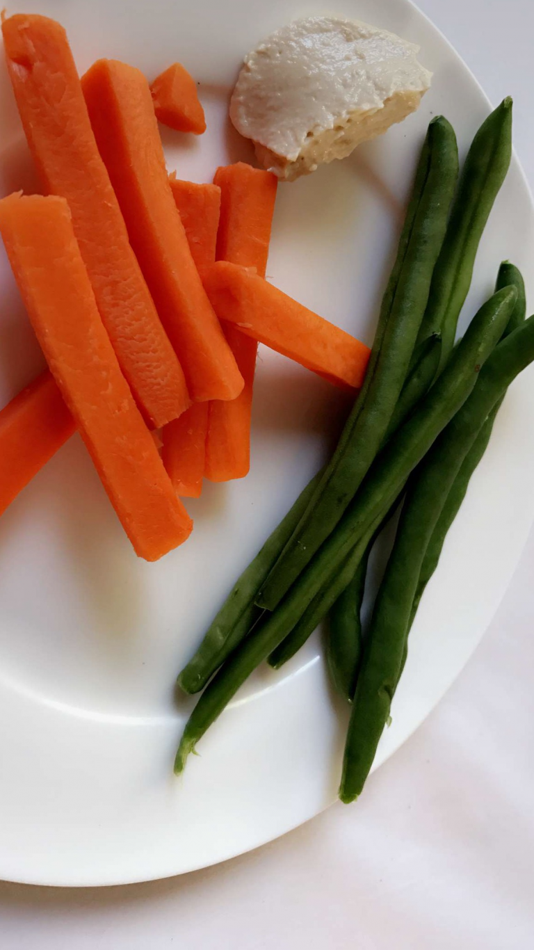 String beans and carrots keeps me slim and #sexy 👙