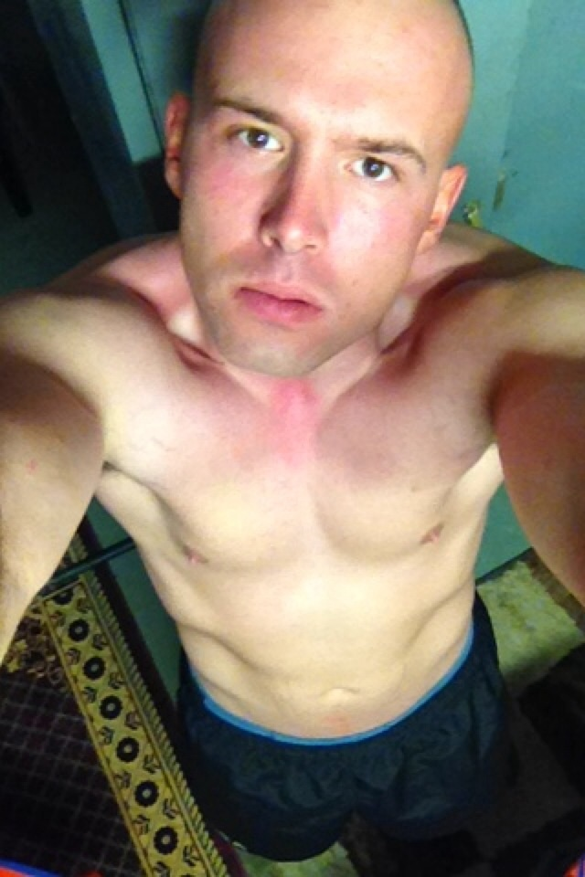#army #deployed #Afghanistan looking to chat. Need someone to help make the time pass by. Add me if you would like I chat. Kik or snapchat