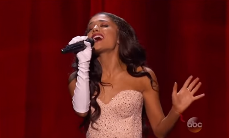 Ariana Grande Slayed 'Focus' In Her Live Performance at American Music Awards 2015