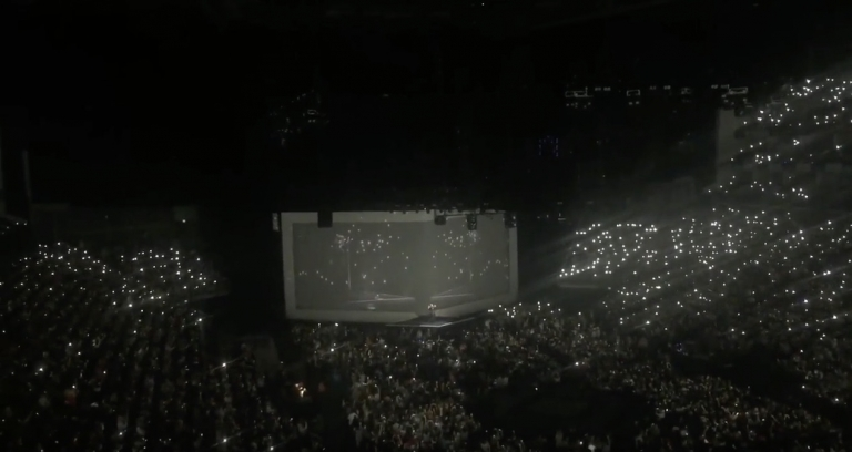 """Full Video of Adele's Touching Tribute To Brussels During Her Concert - """"Make You Feel My Love"""""""