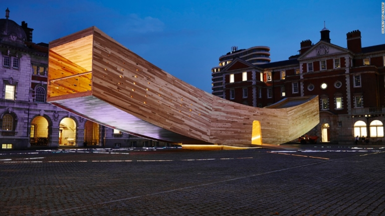 """London Design Festival: """"The Smile"""" built with CLT material demonstrates alternative to concrete"""