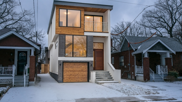 A Modern Home in 19 Crewe Avenue, Toronto, Ontario