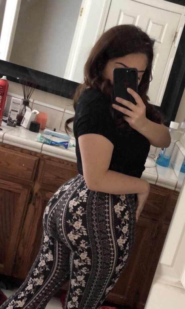 All this ass but no bf to ride😔