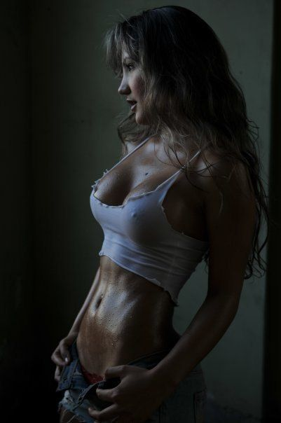 I don't know who she is but she's beautiful... #fitspiration