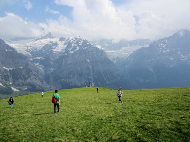 Another one in #Switzerland, gorgeous mountainside!