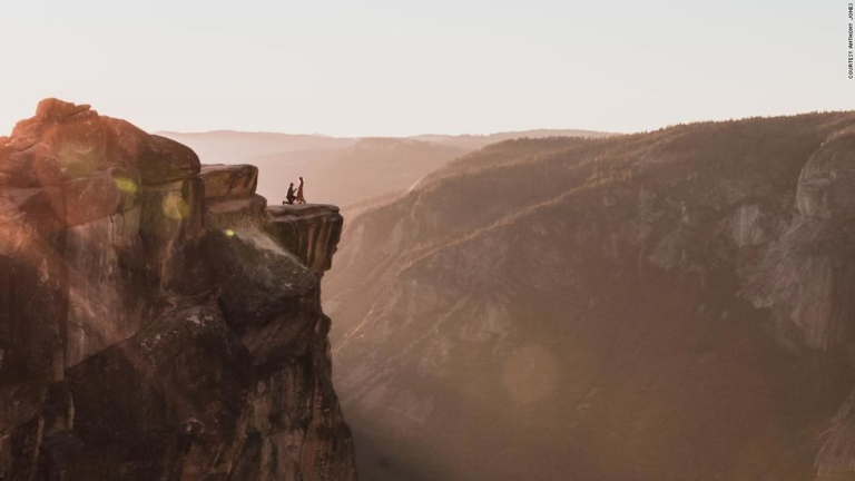 #YosemiteEngagement mystery solved! Photographer found couple after viral search