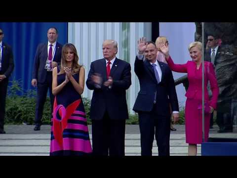 Poland's First Lady Ignores Trump Attempt for a Handshake