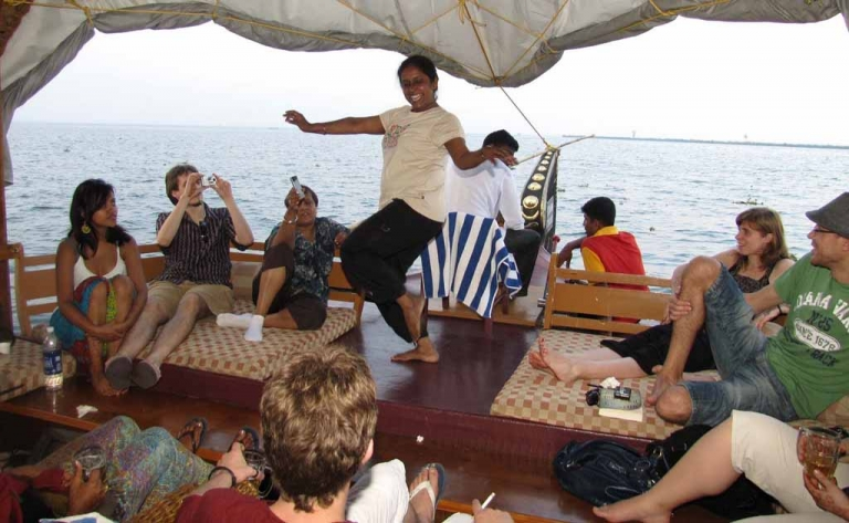 KERALA TOUR PACKAGES - LE LAGOON HOLIDAYS
