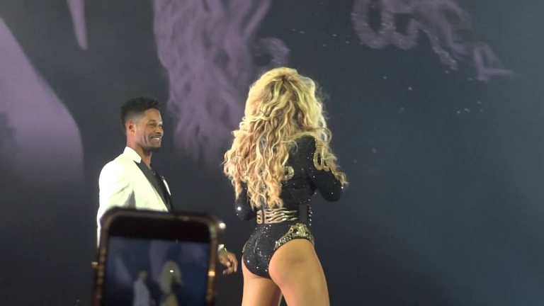 "Beyonce stopped performing ""Single Ladies"" so a guy can propose on the stage and put a ring on it"