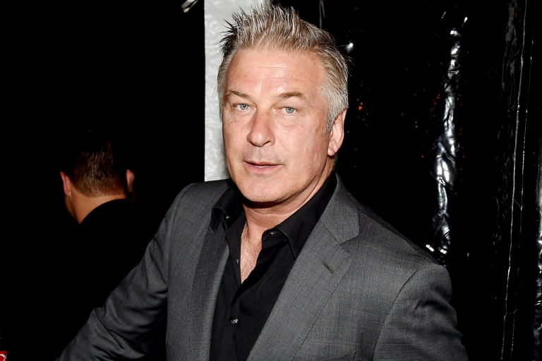 Alec Baldwin Arrested in #NYC After Allegedly Punching Man Over Parking Space
