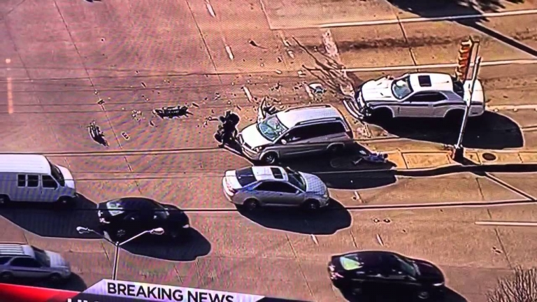 Woman In Minivan Stops High Speed Chase in Dallas Texas