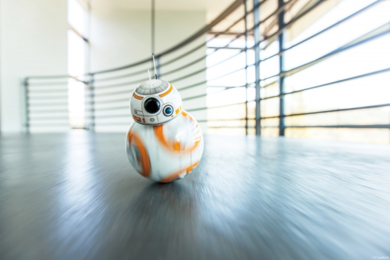 So How Does The Star Wars BB-8 Toy Works?