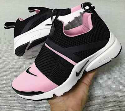 How amazing are the #Nike Air Presto Extreme in pink?? #FitnessGear ❤️