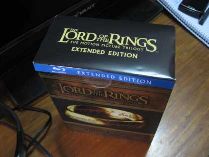 Anyone wants to watch #LOTR marathon!? ;)