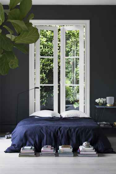 #Bedroom with color contrast
