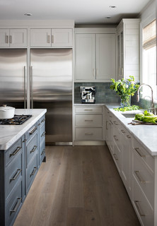 Kitchen Ideas: island, stainless, oak cabinets, and warm colors