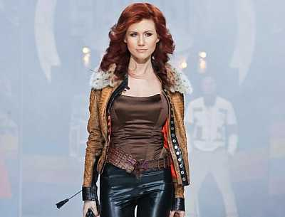 Sexy Russian Spy Anna Chapman Asked #NSA Leaker Edward #Snowden To Marry Her On Twitter!