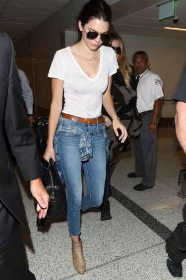 Kendall Jenner Stlye Inspiration: Jeans and White T-Shirt