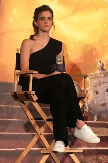 #StyleInspiration: Emma Watson looks stunning in her jumpsuit and white sneakers