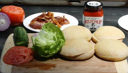 #Food: Top 10 non-traditional #burgers in America