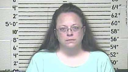 Kentucky clerk Kim Davis given second chance, but still defied court order is now going to jail