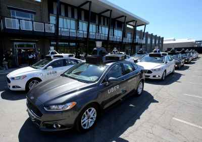 Woman dies in Tempe Arizona after being hit by #Uber self-driving SUV