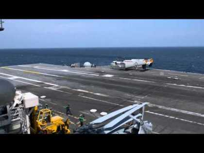#Tech: X-47B Completes First Carrier-based Arrested Landing