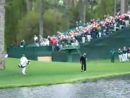 #Sports: Most Amazing #Golf Shot In The World!