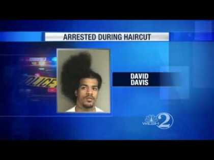 #Funny: Man Arrested During Haircut