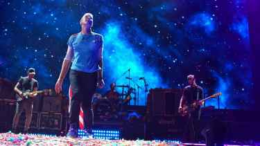 Coldplay sings 'Pure Imagination' as tribute to Gene Wilder