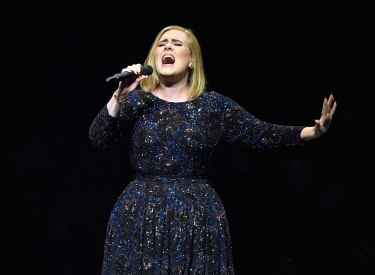 Adele invited a fan on stage not knowing she was a grammy nominated singer/songwriter