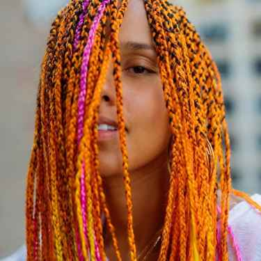 Alicia Keys debuts braided neon hair and the internet reacts