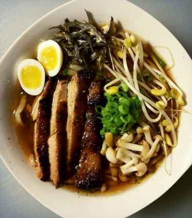 #Ramen with pork belly, bunnapi mushroom, anchovie, bean sprout, quail egg
