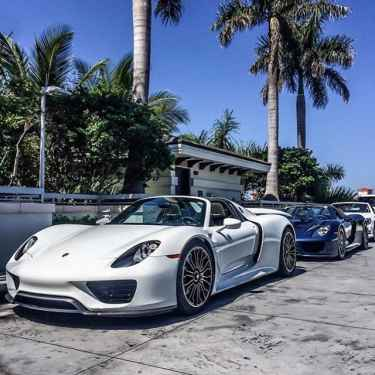 White and Blue Porsche 918 Spyder... Two of a Kind ⚪️🔵