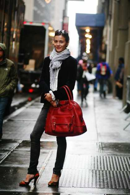 Love this #fall style ensemble | #scarf #bag
