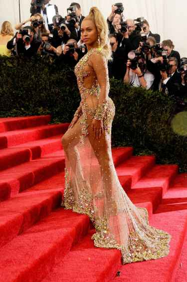 Beyonce at Met Gala 2016 Red Carpet