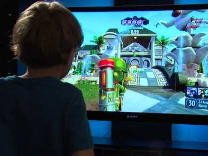 5-year old boy exposes #Microsoft #Xbox vulnerability