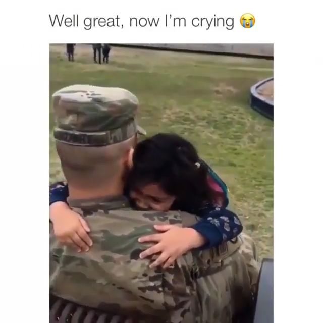 When your dad surprised you after school coming home from deployment 🥺 #Aww #SupportOurTroops